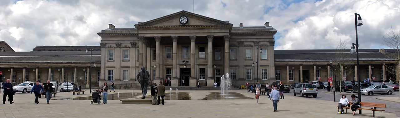 Magician and variety arts in Huddersfield